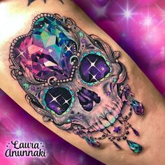 💀🌈The Mexican sugar skull appeared in substitution to the skulls in the pre-Columbian times were used in the Tzompantlis with the purpose… Pretty Skull Tattoos, Girly Skull Tattoos, Mexican Skull Tattoos, Sugar Skull Tattoos, Beautiful Tattoos, Body Art Tattoos, Small Tattoos, Mexican Skulls, Sugar Skull Art