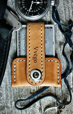 Want a front pocket wallet? Vvego's Vvapor may be the perfect choice. This very cool leather wallet is slim, sleek, efficient. It's waiting for you!: