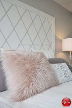 Wallpaper for the headboard? – Colobar Source by Fashion Room, Deco, Home Pictures, Bed, Pillows, First Home, Bedroom Design Inspiration, Bedroom Deco, Headboard