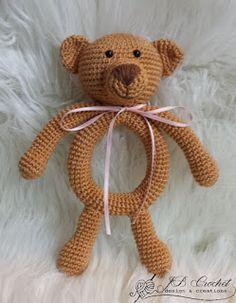 Crochet Baby Design Gehaakte Rammelaar Eddy de Teddy Crocheted Baby rattle Eddy the Teddy Crochet Baby Blanket Beginner, Crochet Lovey, Crochet Baby Cocoon, Crochet Baby Toys, Baby Girl Crochet, Crochet Baby Booties, Cute Crochet, Crochet Dolls, Baby Knitting