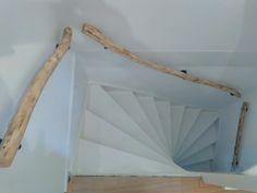Drijfhouten trapleuningen op maat gemaakt.