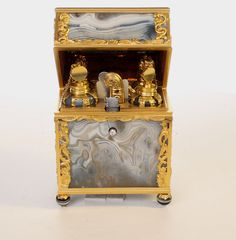 Large George III Gold and Agate Necessaire