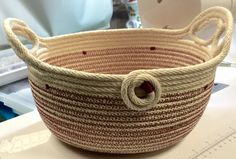Functional rope art by Andrea. Rope Basket, Basket Bag, Basket Weaving, Cotton Bowl, Pine Needle Baskets, Fabric Bowls, Rope Art, Clothes Basket, Rope Crafts