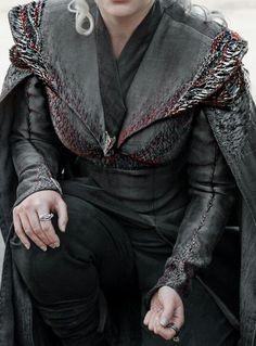 Daenerys Targaryen and Jon snow costume details in HD ✿ Costumes Game Of Thrones, Game Of Thrones Outfits, Game Of Thrones Meme, Game Of Thrones Clothing, Game Of Thrones Cosplay, Orphan Black, Valar Morghulis, Khal Drogo, Arya Stark