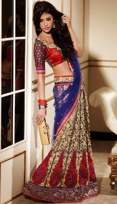 Sarees Online: Shop the latest Indian Sarees at the best price online shopping. From classic to contemporary, daily wear to party wear saree, Cbazaar has saree for every occasion. Indian Attire, Indian Ethnic Wear, Pakistani Outfits, Indian Outfits, Pakistani Clothing, Moda Indiana, Lehenga Style, Lehenga Choli, Net Lehenga