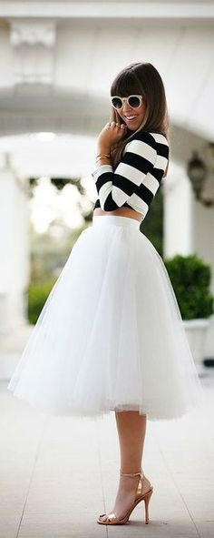 10 Outfit Ideas With A Midi Skirt | Fashion Inspiration Blog