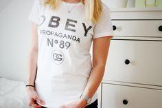 I LIKE IT COMFY Modezeilen.blogspot.com #fashion #modezeilen #fashionblogger #inspiration #streetstyle #obey #tshirt #simple