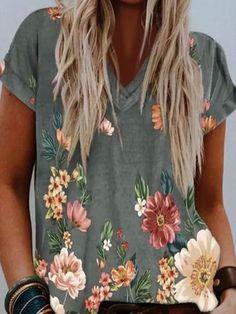 ninacloak.com Short Sleeve Blouse, Short Sleeves, Floral Sleeve, Fashion Prints, Women's Fashion, Fashion Online, Fashion Dresses, Fashion Blouses, Floral Fashion