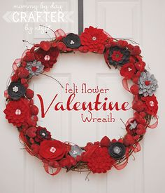 Valentine's day felt flower wreath idea