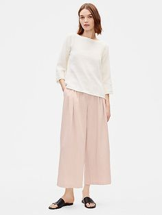 Light and fluid. A wide-leg pant with pleats and pockets. In sustainable Tencel™ with the natural texture of linen. Cool Outfits, Casual Outfits, Blush Dresses, Sustainable Fashion, Sustainable Style, Wide Leg Trousers, Fashion Lookbook, Eileen Fisher, Natural Texture