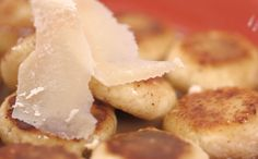 Nhoque de ricota: No lugar da batata, a ricota. Receita cozinha rapidinha e finaliza na frigideira