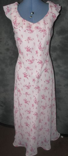 Classics,ladies,size 14,pink,floral,v neck & back,sleeveless,Formal,Tea Dress.