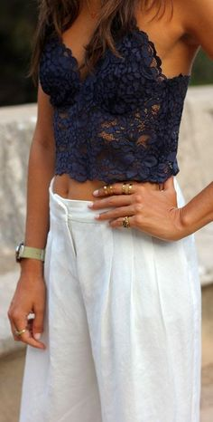 #street #style black lace crop top @wachabuy