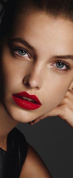 Barbara Palvin #makeup #redlip
