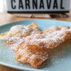 OREJAS DE CARNAVAL | El jardín de mis recetas Donut Recipes, Churros, Donuts, French Toast, Bread, Breakfast, Cake, Desserts, Food