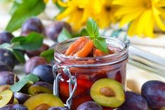 Zwetschgenkompott Paleo Dessert, Plum Apricot, Raspberry, Strawberry, Pickles, Blueberry, Berries, Food And Drink, Sweets