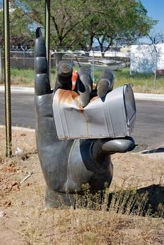 """Chuck Wilkson sends us pictures of this unusual mailbox - well, the """"post"""" sure is unusual! He says, """"This mailbox is between 5 & 6 fo. Funny Mailboxes, Rustic Mailboxes, Unique Mailboxes, Painted Mailboxes, Vintage Mailbox, Diy Mailbox, Mailbox Ideas, Mailbox Designs, Image Form"""