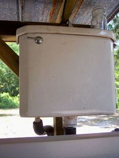 Pinner said It's a chicken coop waterer. You hook it up to water and flush when you need to refill their water bowl . Maybe gravity fed rain water too for off grid Backyard Chicken Coops, Backyard Farming, Chickens Backyard, Backyard Poultry, Chicken Pen, Chicken Coup, Chicken Lady, Chicken Ideas, Keeping Chickens
