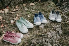 Pisamonas ha sido la marca que ha vestido los piececitos de los niños. Sus modelos desarrollados con mucho mimo son perfectos para combinar con una gran variedad de trajes y vestidos.