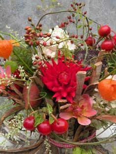 Marieke Nolsen - In den Boomgaard Dahlia, Autumn Bride, Color 2, 2 Colours, Botany, Flower Power, Floral Arrangements, Wedding Flowers, Floral Design