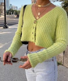 Coordinating Colors For A Fresh New Look – Fashion Trends Vintage Outfits, Retro Outfits, 2000s Fashion, Look Fashion, Fashion Women, 90s Girl Fashion, Fashion Clothes, Queer Fashion, French Fashion