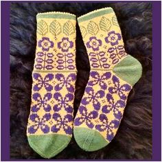 Ravelry: Kind of retro socks pattern by JennyPenny: