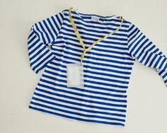手持ちの洋服にぴったり合うネックストラップを、手作りして楽しみましょう。/テープと少しの布で作る小物(「はんど&はあと」2012年7月号)