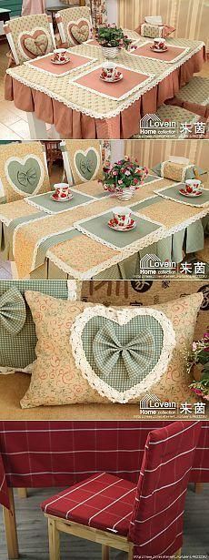 Capa para Cadeiras: Mais de 40 Modelos Excepcionais! Veja dicas e o passo a passo e faça as suas! Furniture Covers, Chair Covers, Table Covers, Dining Table Chairs, Table Linens, Place Mats Quilted, Sewing Table, Curtain Designs, Decorative Pillows