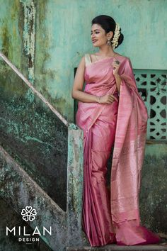 Bridal is and Kanchipuram is MilanDesign! Our latest collection of classic and stylish designer Kanchipuram sarees are in our store. Drop by to let our full range entice you…More Indian Saris Click VISIT link above for more info Sari Rose, Christian Wedding Sarees, Wedding Sari, Wedding Dresses, Engagement Saree, Teintes Pastel, Silk Saree Kanchipuram, Kanjivaram Sarees, Wedding Sarees Online