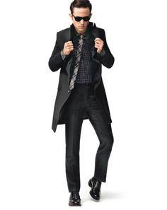 Wearing the likes of HM, Topman, and Uniqlo, Joseph Gordon-Levitt proves that it's easier than ever to look better for less Moncler, Gorgeous Men, Beautiful People, Joseph Gordon Levitt, High Fashion, Mens Fashion, Star Wars, Dapper Men, Raining Men
