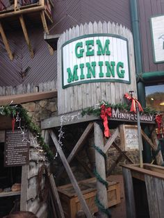 A great family fun spot. You purchase a bag of gems, go mining and have a great souvenir too! Heartbreak Hotel, Tennessee, Gems, Memories, Bag, Souvenir, Memoirs, Souvenirs, Rhinestones