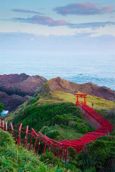 心に「神代」を感じさせる日本の風景 2枚