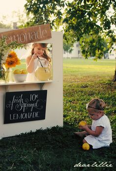 Dear Lillie: Lemonade Sign GIVEAWAY  One of my most favorite blogs. So sweet and beautiful.