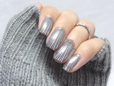 Brit Nails: Get hypnotized!
