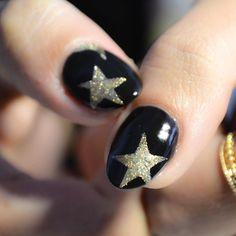 5Saturday  Thank you Jackie for coming  #nyc#manhattan#gilt#city#offer#garmentdistrict#stars#goldstars#gold#glitter#glitternails#blacknails#thumbsup#citygirl#macys#nailart#nailswag#handpainted #naildesigns#nycnails#gelnails#orly#fashionnails#fashiondistrict#nails#byme#nataliayliukhyn# by topnynails