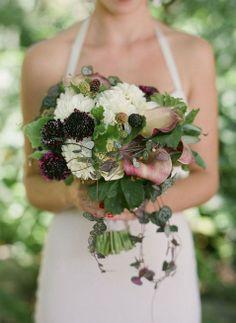 Bella Vista Flower Merchants Blog: Sweet Rustic Touches mixed with Modern Elements in this gorgeous garden wedding!