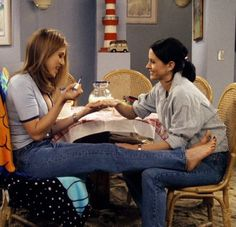friends, monica, and rachel green image Friends Tv Show, Tv: Friends, Serie Friends, Friends Moments, Friends Forever, Monica Friends, Rachel Friends, Friends Rachel Outfits, Friends Cast