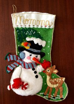 Outside Decorations, Christmas Table Decorations, Holiday Decor, Xmas Crafts, Diy And Crafts, Felt Ornaments, Christmas Ornaments, Felt Christmas Stockings, Diy Christmas Cards