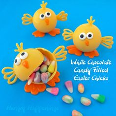 Looking for a fun treat to make with your kids for Easter? These adorable Easter Chocolates - White Chocolate Candy Filled Easter Chicks are the treat to make! Crack them open for a fun surprise and enjoy every bite of this delicious dessert. Easter Candy, Hoppy Easter, Easter Treats, Easter Food, Easter Snacks, Easter Chick, White Chocolate Candy, Easter Chocolate, Chocolate Hair
