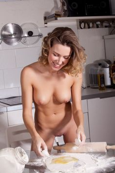 Cooking thankgiving women Nude
