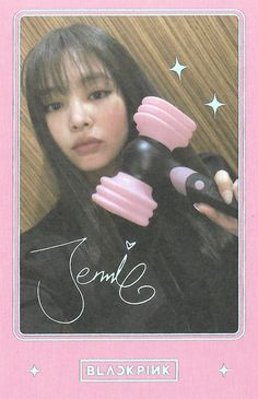 [SCAN] Jennie for Lightstick Ver. 2 Photocard cr.... : BLACKPINKOFFICIAL Blackpink Jennie, Yg Entertainment, Blackpink Twitter, Polaroid Decoration, Lisa Blackpink Wallpaper, Book Wallpaper, Kpop Posters, Kim Jisoo, Blackpink And Bts