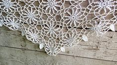 Diamond white cotton string vintage lace hand crochet flowers and leaves doily. Vintage Lace, Vintage Flowers, Etsy Vintage, Vintage Items, Cotton Crochet, Hand Crochet, Crochet Lace, Lace Flowers, Crochet Flowers