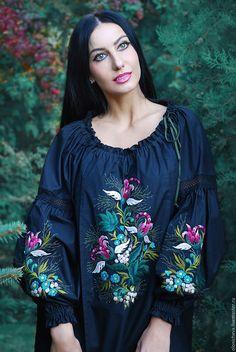 """Купить Экзотическая вышитая блуза """"Цветок ангела"""" - вышитая блузка, Вышитая блуза, черный"""