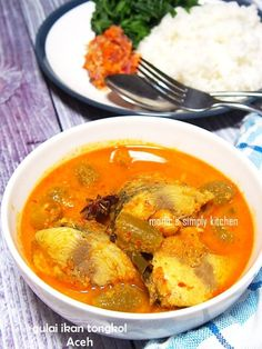 gulai ikan tongkol aceh Fun Cooking, Cooking Time, Cooking Recipes, Spicy Dishes, Fish Dishes, Asian Recipes, Ethnic Recipes, Asian Foods, Indonesian Cuisine