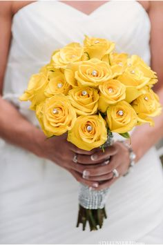 Yellow Rose Bouquet with Diamond Center / A Grey and Yellow Chicago Real Wedding Photographed by Two Birds Photography / via StyleUnveiled.com