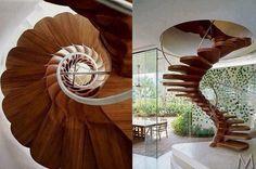 Scala a chiocciola in legno interior design | Designpics.it