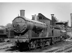 30358 700 Class - Early BR in the Hornby range of Steam Locomotives accurately recreates the real life loco in stunning detail. Southern Trains, Steam Railway, Steam Engine, Steam Locomotive, Model Trains, Great Britain, Real Life, 1930s, British