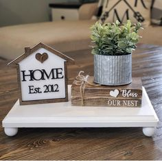 Country Decor, Rustic Decor, Farmhouse Decor, Home Crafts, Home Projects, Diy Home Decor, Tray Decor, Home Signs, Kitchen Decor