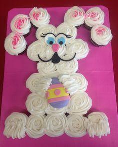 Easter bunny Cupcake Cake Pull Apart Cupcake Cake, Pull Apart Cake, Cupcake Icing, Cupcake Cakes, Cup Cakes, Cupcake Recipes, Easter Candy, Easter Treats, Easter Celebration
