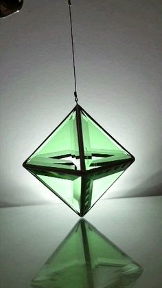 Sacred Geometry by glass artisan Asaf Zakay Broken Glass Art, Shattered Glass, Sea Glass Art, Stained Glass Art, Fused Glass, Stained Glass Projects, Stained Glass Patterns, Glass Art Pictures, Glass Art Design